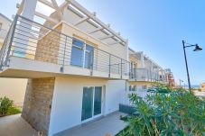 Appartamento a Trinità d´Agultu e Vignola - Affittimoderni Isola Rossa Borgo - IRGI10